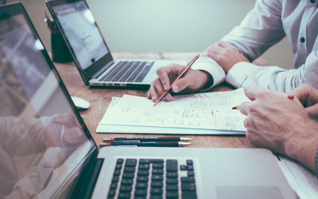 Las 6 ventajas de estudiar en una Escuela de Negocios online