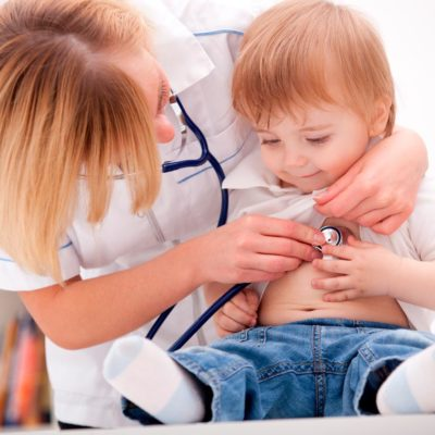 estudiar auxiliar de pediatría