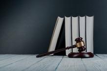 estudiar cursos de derecho e investigación