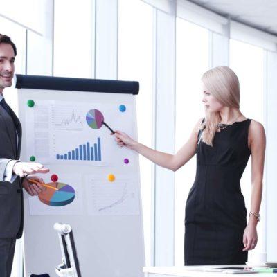 estudiar el máster en comunicación en la empresa y presentaciones te permitirá mejorar tus habilidades comunicativas