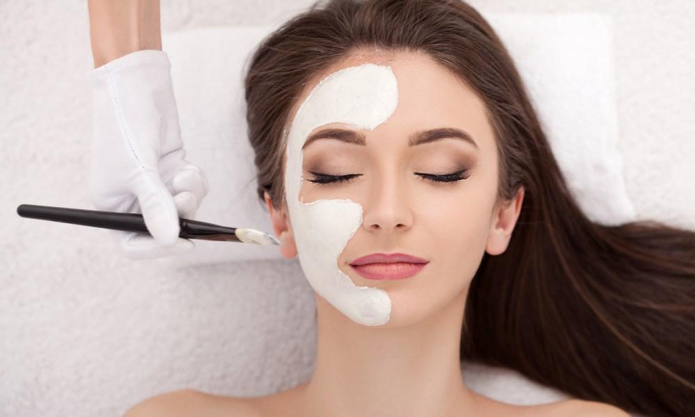 Rejuvenecimiento facial: qué es y cómo se aplica