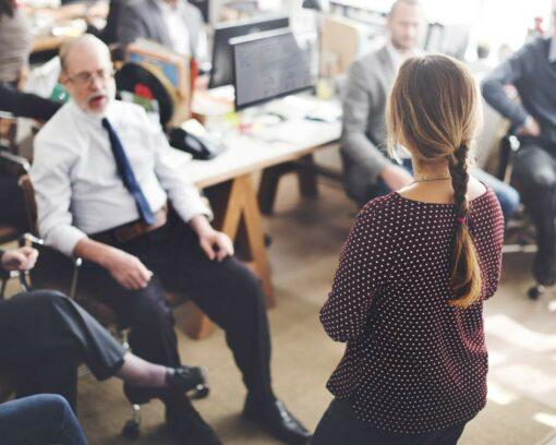 estudiar el máster en oratoria y técnicas para hablar en público te permitirá mejorar tus habilidades comunicativas